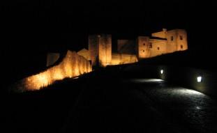 Illuminazione e restauro cinta muraria